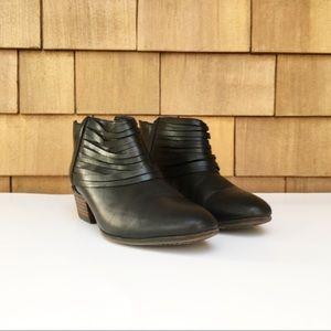 Clarks Leather Spye Celeste Ankle Zip Booties